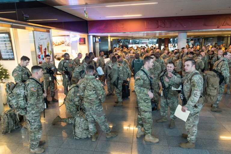 epa05703551 US soldiers arrive at the airport in Wroclaw, Poland, 07 January 2017. Some 250 US soldiers arrived in Poland ahead of an US armoured brigade will arrive on 12 January in Poland, as part of an effort to reinforce NATO?s eastern flank. The American armoured brigade - the 3rd Armored Brigade Combat Team, part of the 4th Infantry Division, from Fort Carson, Colorado, is to be deployed to Poland as well as the Baltic states and Romania.  EPA/MACIEJ KULCZYNSKI POLAND OUT