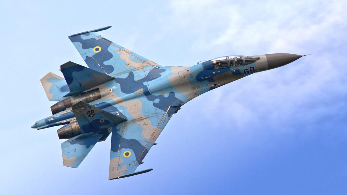 Вооруженные истребители Су-27 Украины были замечены в небе над Бердянском