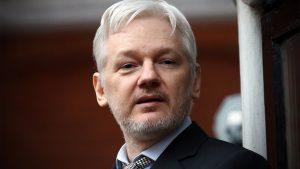Ассанж отверг причастность русских к взлому переписки Демократической партии США