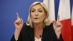 Ле Пен против выхода из ЕС