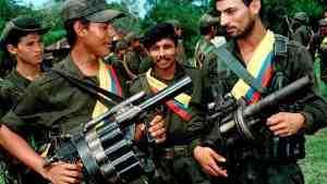 Повстанцы в Колумбии сложили 8000 единиц оружия