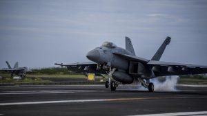 Стали известны новые подробности боя Су-22 и F/A-18 в Сирии