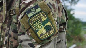 Украинский боец в Донбассе избил «вынюхивавшего» второклассника и сломал его велосипед