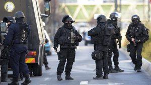 EFE: на вокзале в Ниме слышна стрельба