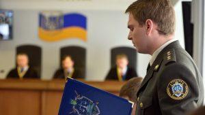 Госадвокат Януковича отказался от его защиты