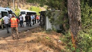 В Турции перевернулся автобус с 26 пассажирами