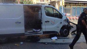 СМИ: Террорист-водитель из Барселоны мог быть застрелен в Камбрильсе