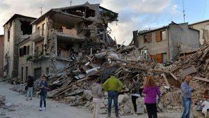 Из пострадавших при землетрясении районов острова Искья эвакуировано 2,6 тысячи человек