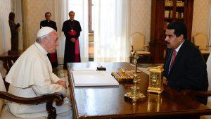 Ватикан призвал Мадуро отказаться от созыва Конституционной ассамблеи