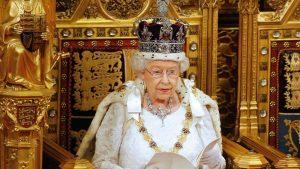 СМИ: королева Елизавета не намерена передавать престол своему сыну