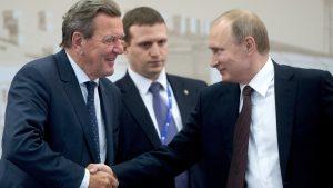 Экс-канцлер ФРГ возвращается в Россию до выборов