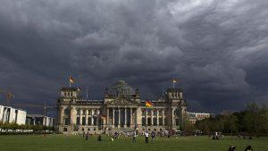 Немецкие политики получили письма с белым порошком