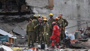 Число жертв землетрясения в Мексике достигло 305 человек