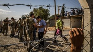 Сотни боевиков ИГИЛ бегут из Сирии в Турцию
