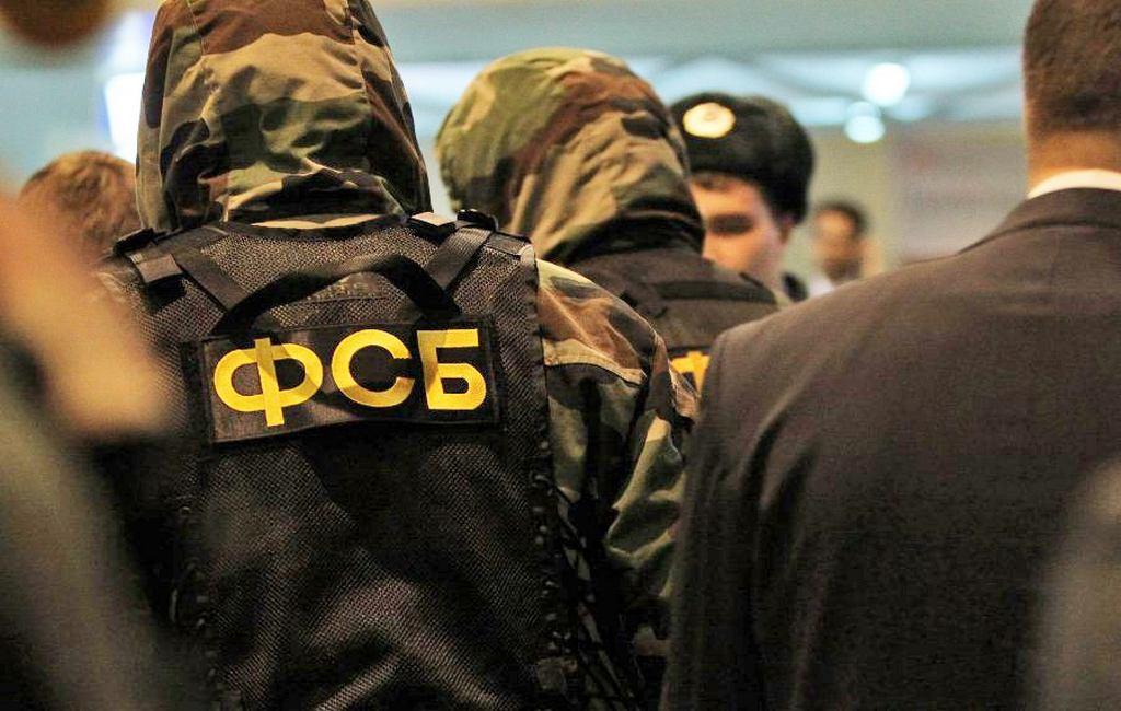 Двое саратовцев задержаны заизготовление иторговлю боевым оружием