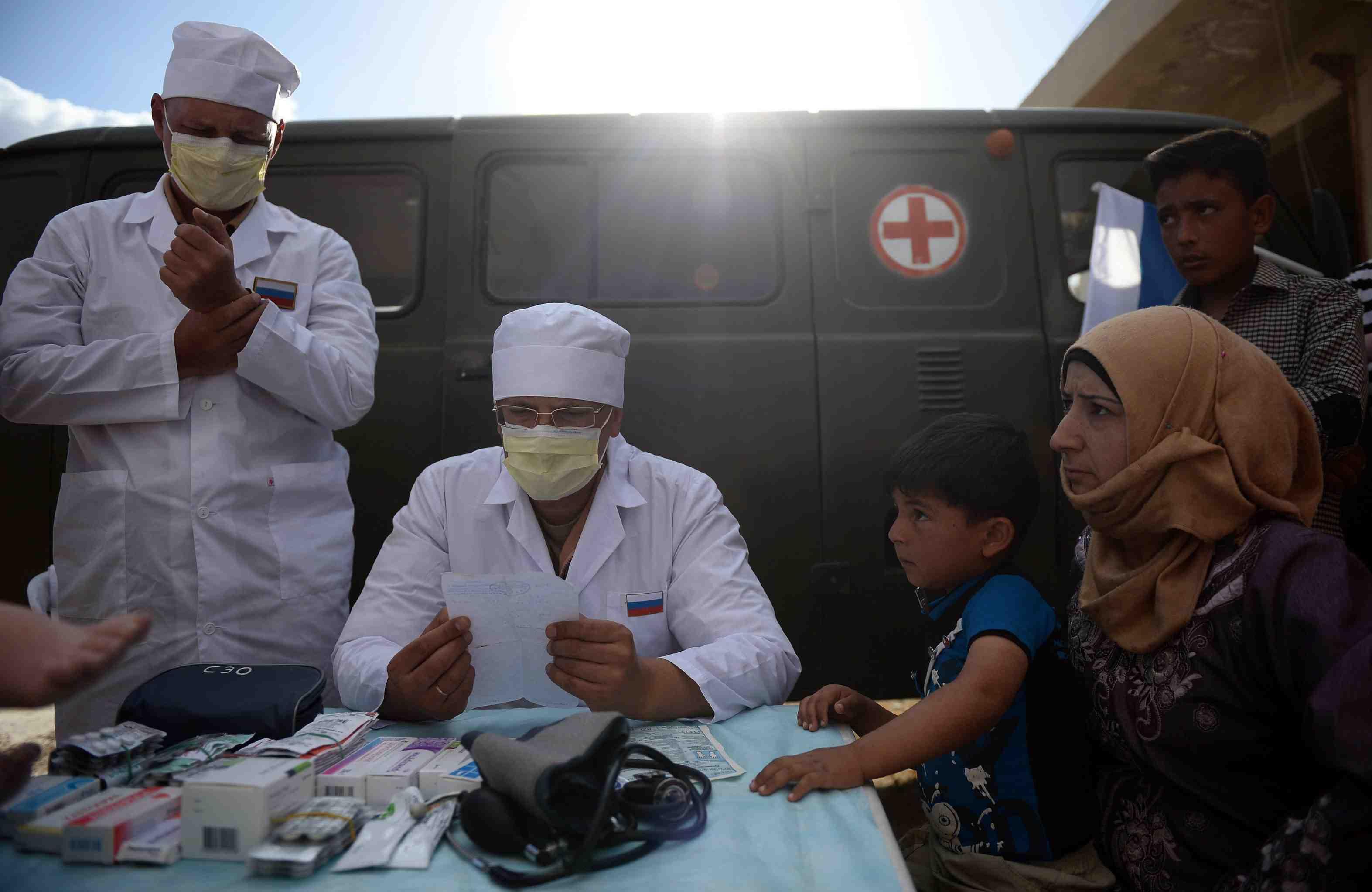 Русские мед. работники провели осмотр 200 граждан провинции Алеппо