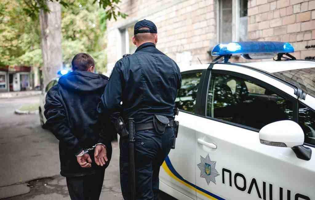 Под Киевом копы задержали 60 уголовных авторитетов прямо вресторане