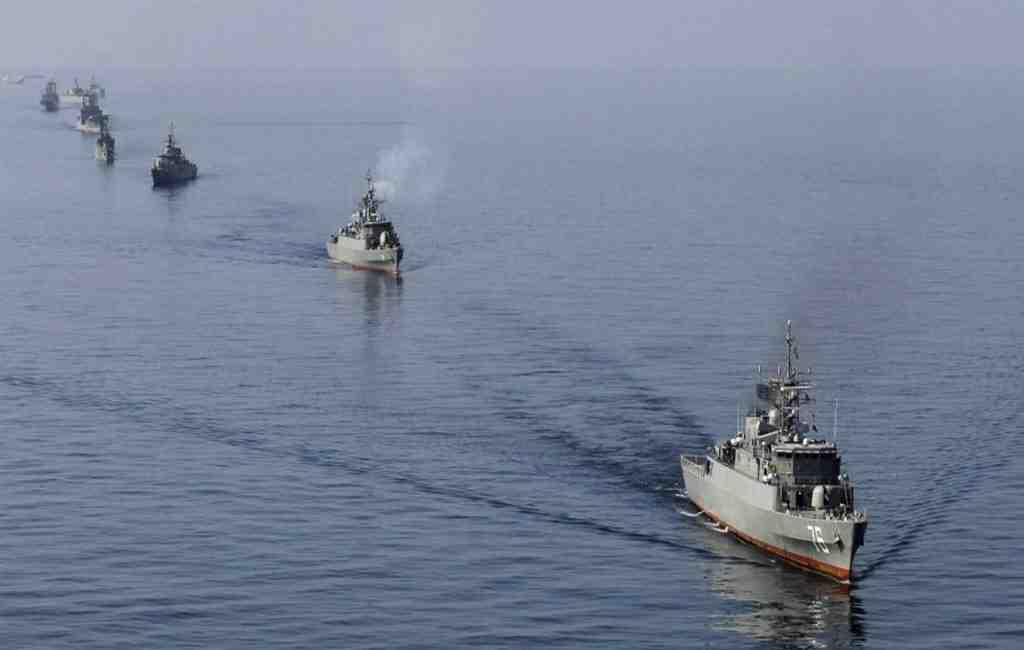 Командующий ВМС Ирана пообещал направить корабли кберегам США