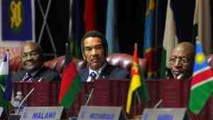 Лидеры стран южной Африки обсудят ситуацию в Зимбабве