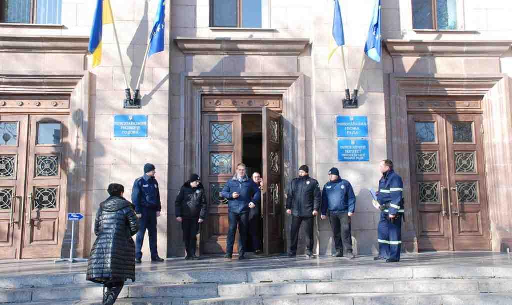 Соратники экс-мера пытались захватить горсовет Николаева— Минирование идым