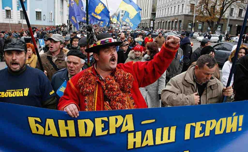 ВПольше обещали восстановить разрушенные украинские монументы