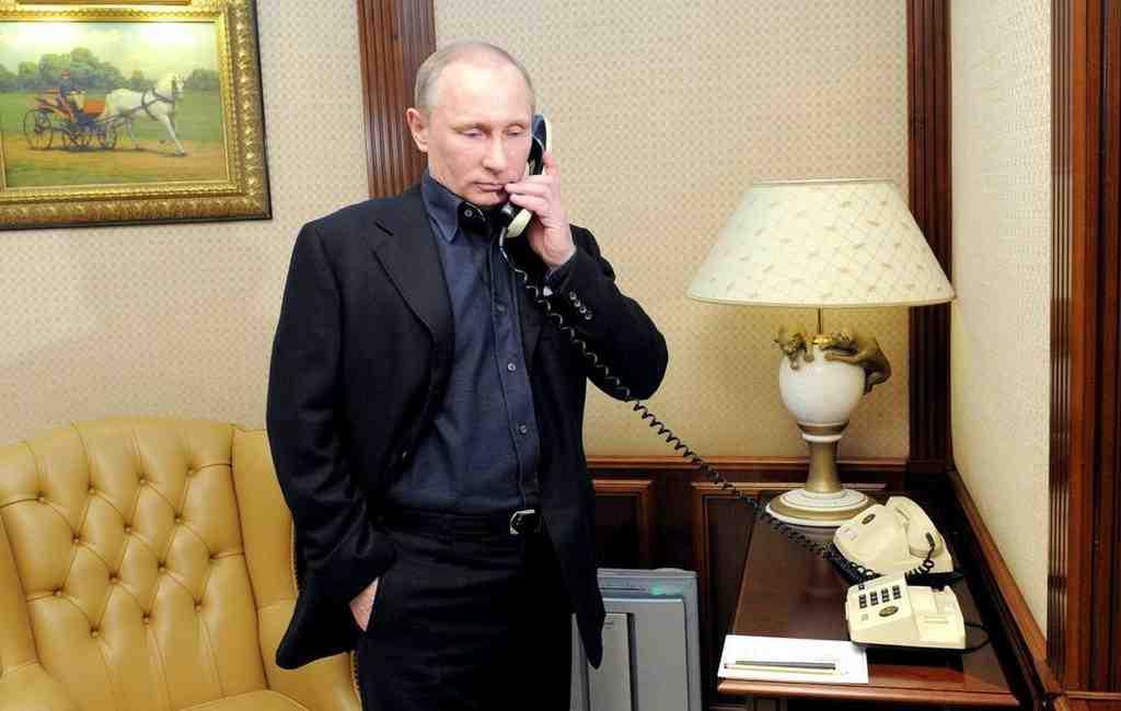 Путин иэмир Катара провели телефонный разговор