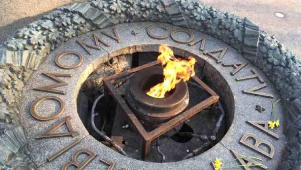 Около мемориала Вечной славы вКиеве появились камеры иохрана