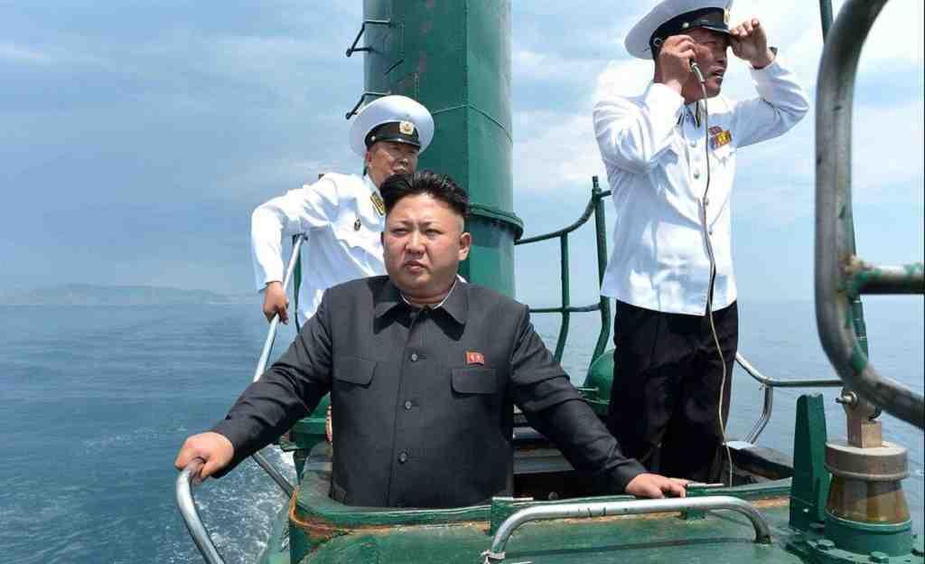 КНДР строит свою первую субмарину сбаллистическими ракетами,