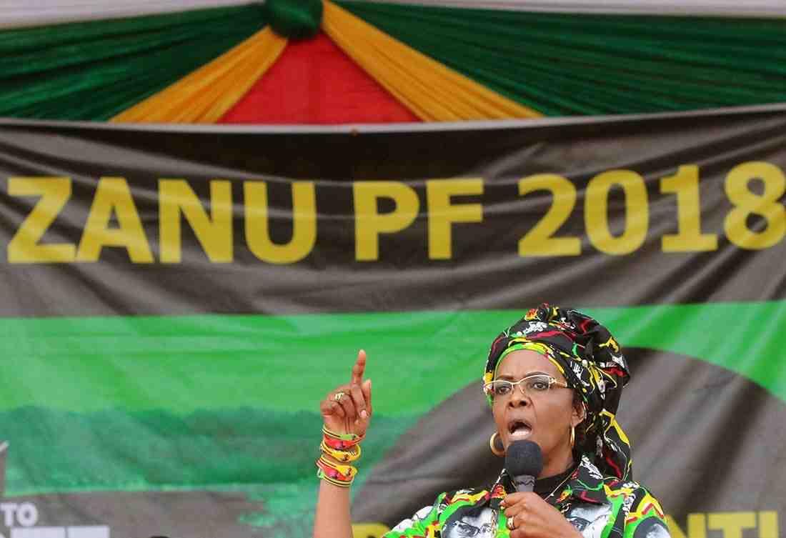 ВЗимбабве десятки тыс. человек потребовали ухода вотставку Мугабе