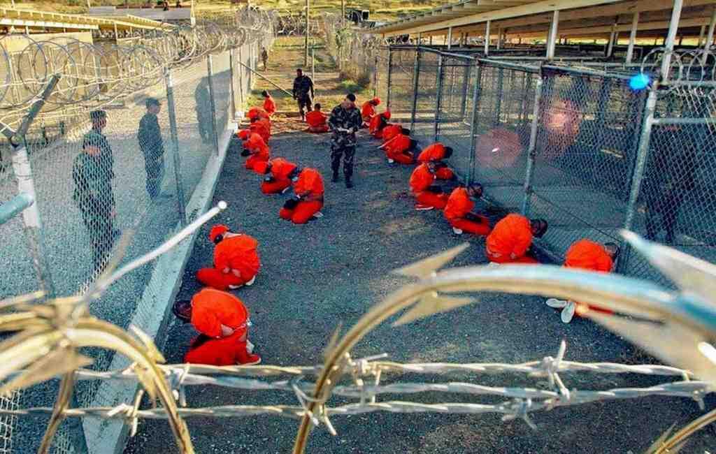 Руководитель Пентагона впервый раз за16 лет посетил базу Гуантанамо
