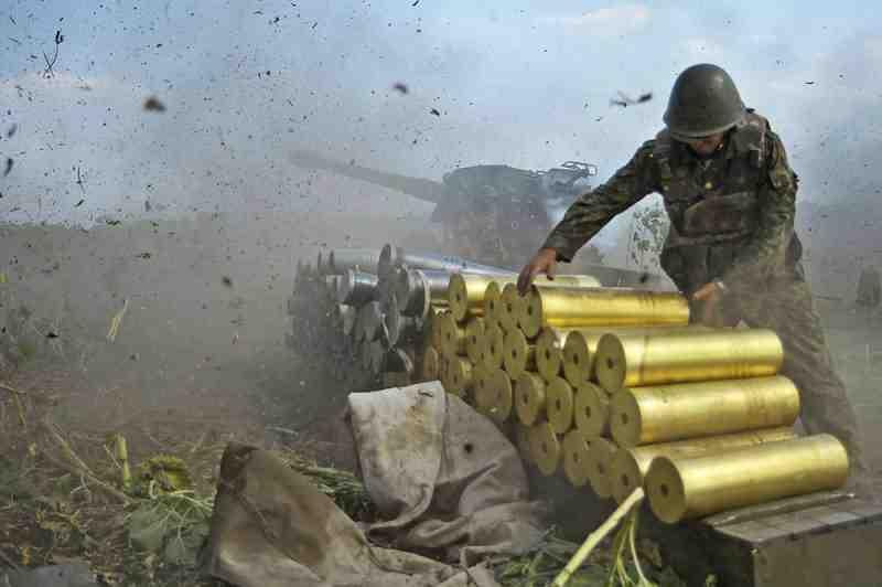 За последнюю неделю Россия перебросила на оккупированный Донбасс более 200 офицеров ВС РФ