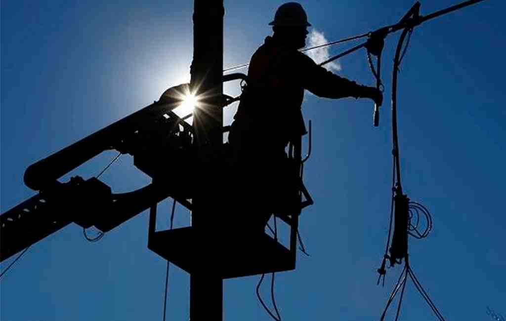 Электроснабжение 6-ти населенных пунктов Астраханской области восстановлено