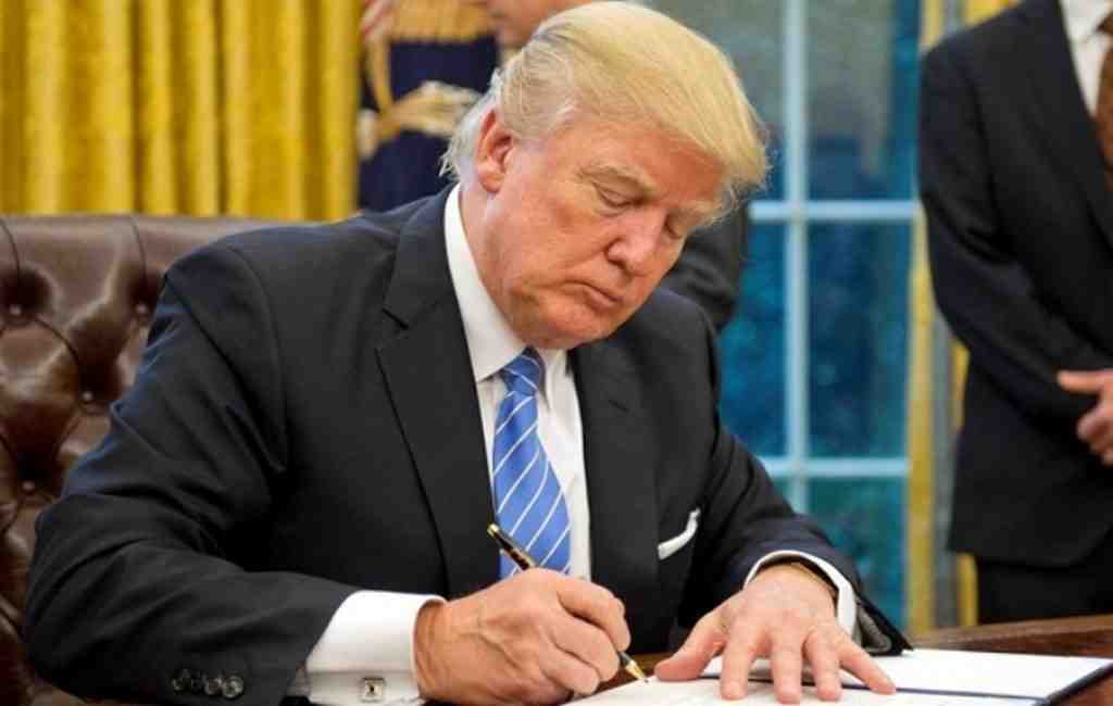 Директива Трампа: жители Америки возвращаются наЛуну