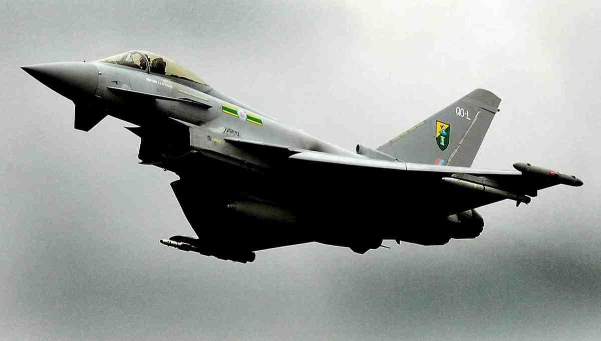 Катар приобрел у Англии истребители Typhoon