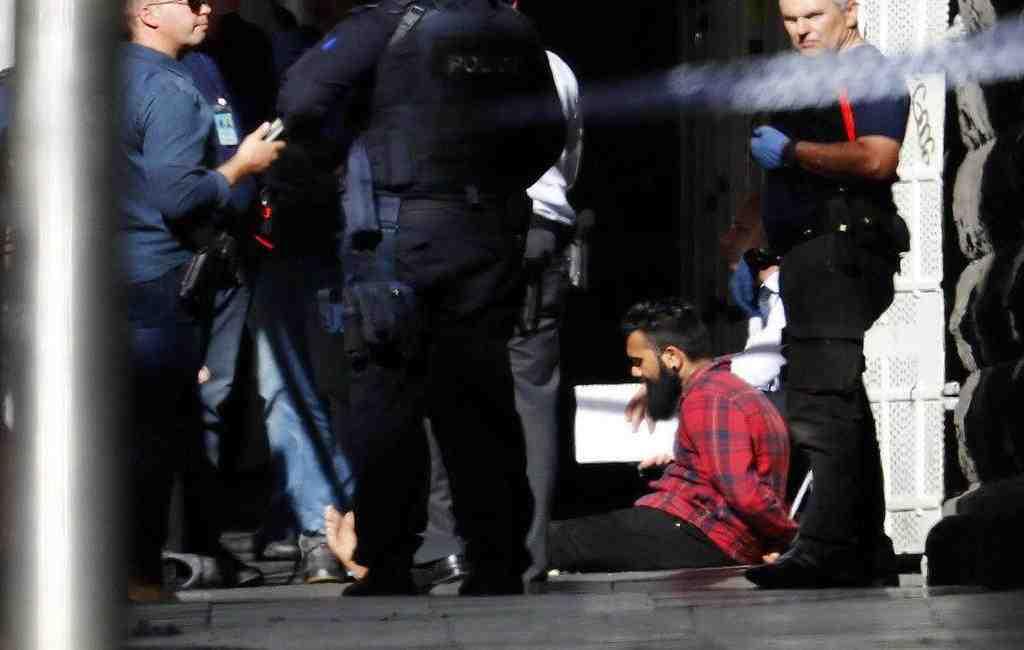 ВМельбурне машина наехала напрохожих, 19 пострадавших