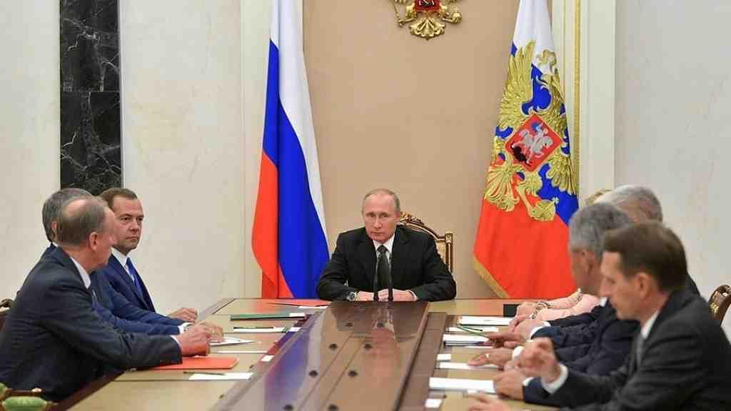 Путин обсудил счленами Совбеза Российской Федерации ситуацию наКорейском полуострове