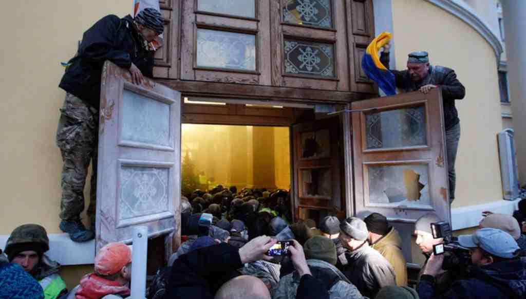 Американское посольство осудило попытку приверженцев Саакашвили захватить Октябрьский дворец