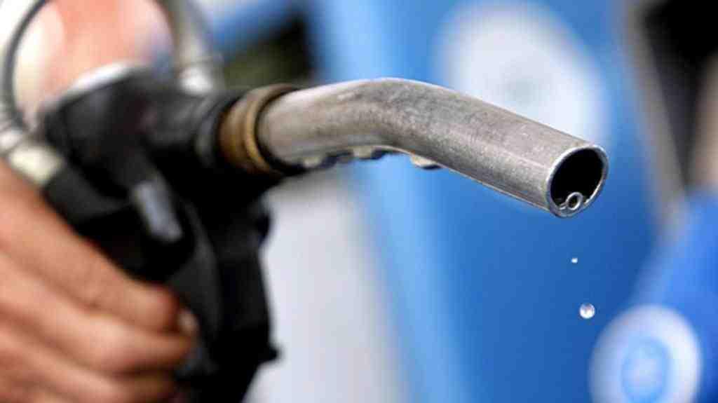 Импортеры предвещают кризис топлива в случае падения цен на топливо