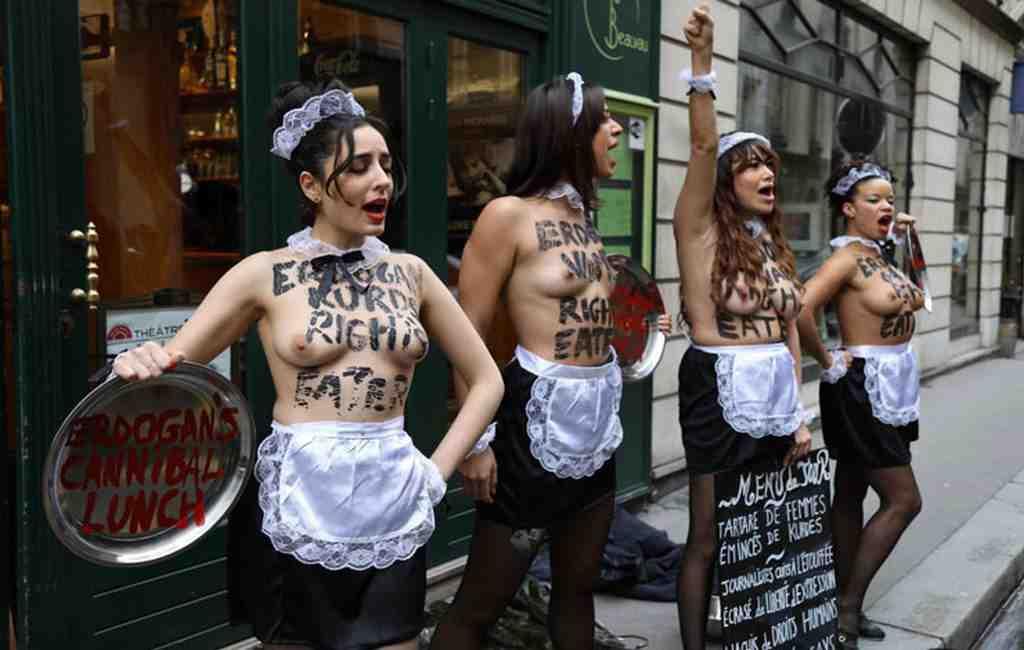 Приехавшего вПариж Эрдогана встретили активистки Femen