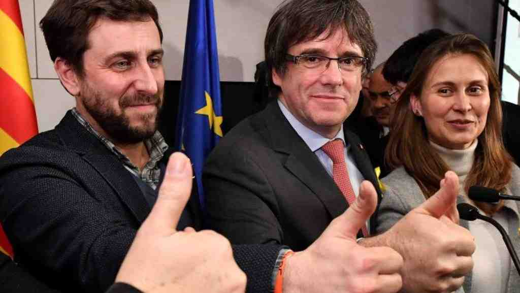 Парламент Каталонии отложил рассмотрение кандидатуры Пучдемона