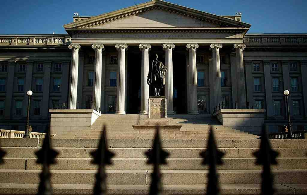 Министр финансов США представил съезду «кремлевский доклад»