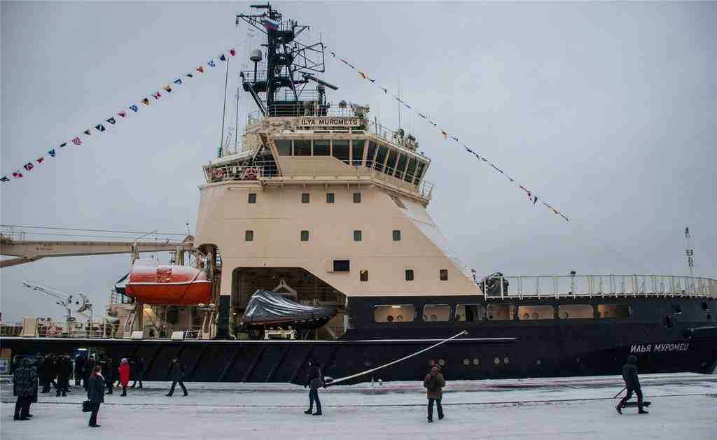 Сооруженный в Петербурге ледокол «Илья Муромец» прибыл в Кольский залив для несения службы