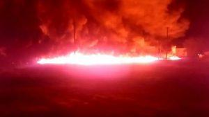 Под Саратовом загорелся нефтепровод