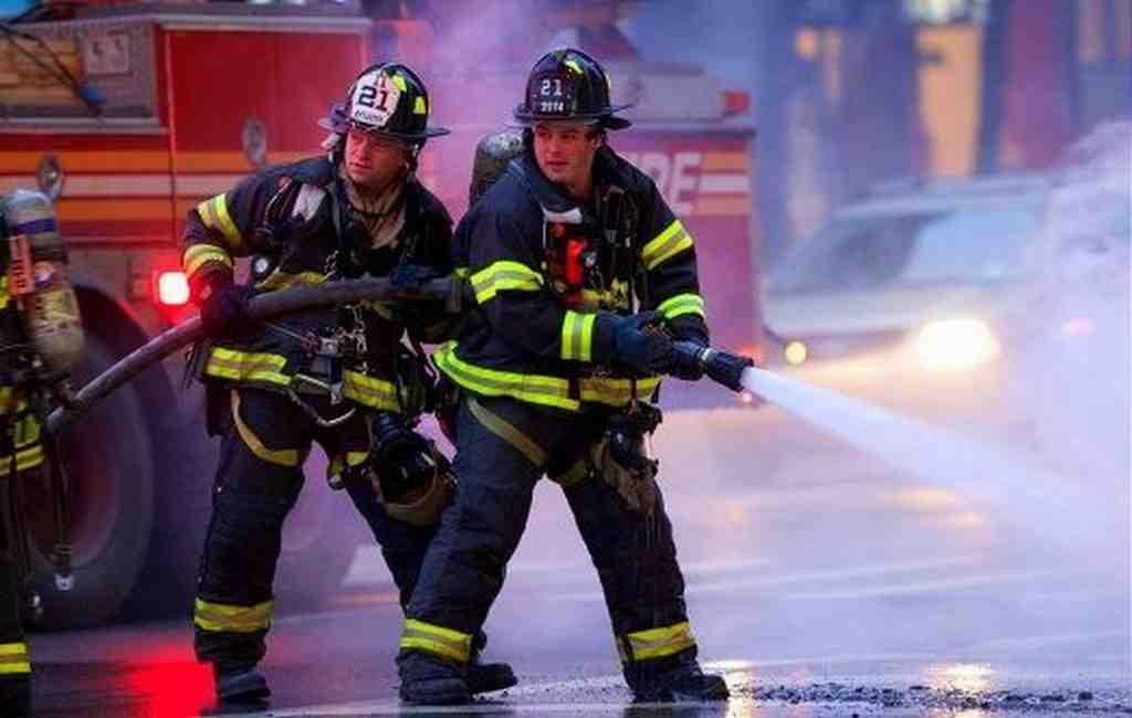Двенадцать человек пострадали вовремя пожара вНью-Йорке