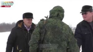 Российский писатель посетил линию фронта в ЛНР, почерпнуть идею для новой книги