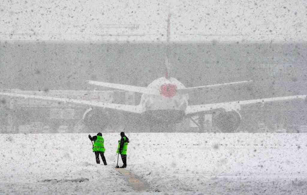 Около 30 рейсов задержано иотменено ваэропортах столицы