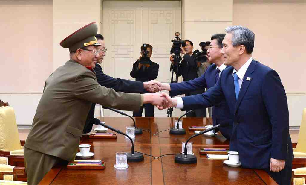 КНДР дала согласие восстановить линию военной экстренной связи сЮжной Кореей