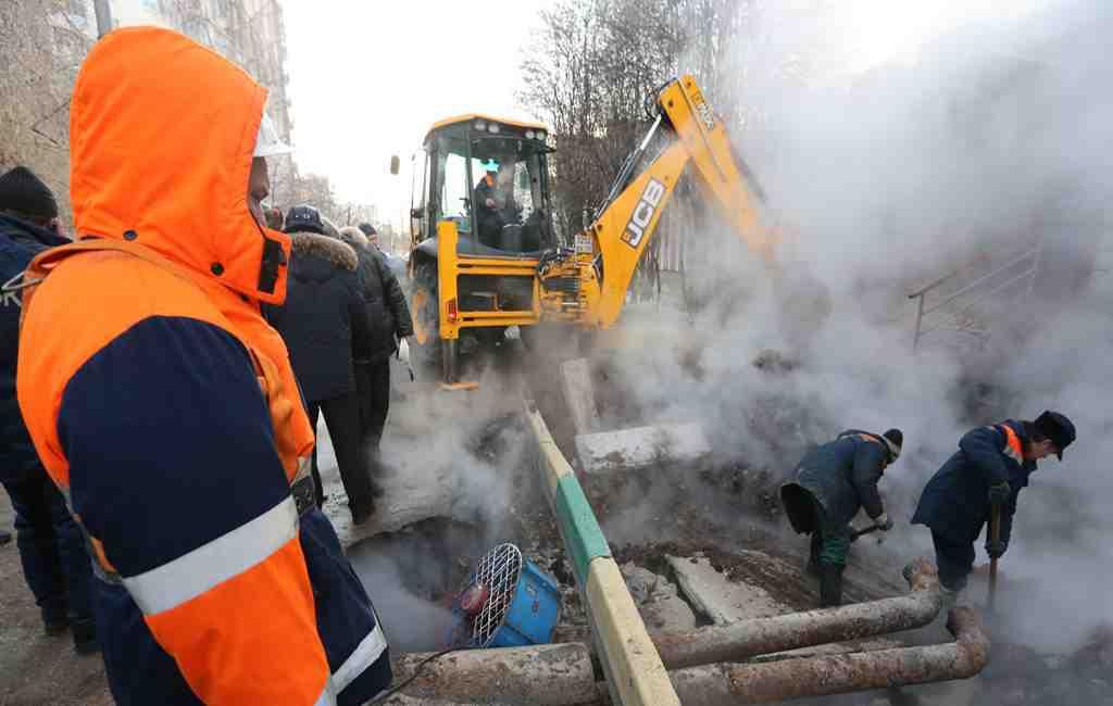 Граждане Твери остаются без теплоснабжения из-за аварии надороге