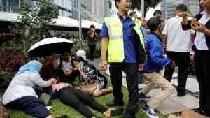 При обрушении на бирже в Джакарте пострадали 72 человека