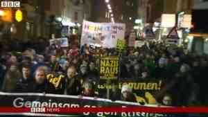 В Вене тысячи человек протестуют против бала, устроенного правыми